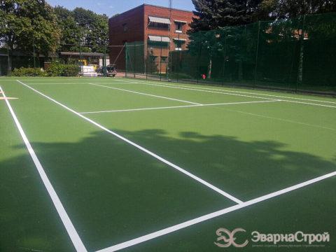 Теннисный корт. Посольство Швеции.